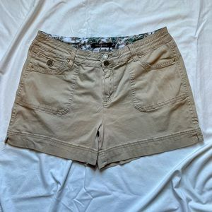 Tan ONE 5 ONE shorts, Size 16